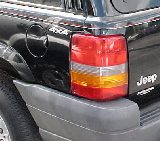93-98 Jeep Grand Cherokee Left Tail Light Assembly