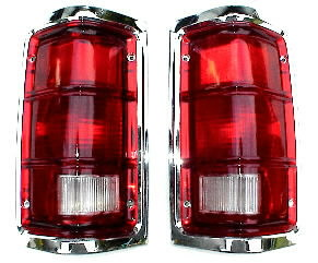 81-93 Dodge Ram Tail Light Set With Chrome
