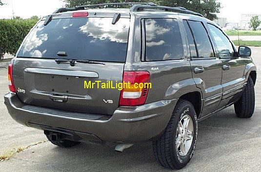 99-04 Jeep Grand Cherokee Right Tail Light Assembly