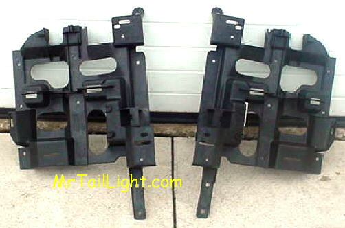 03-06 Chevy Avalanche Left & Right Header Panel Set W/O